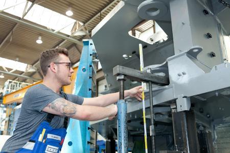 Das Auftragspolster der Zulieferbetriebe ist dünner geworden. Im zweiten Quartal verzeichneten knapp 60 Prozent der Metall- und Elektrobetriebe weniger Bestellungen. Foto: AMH