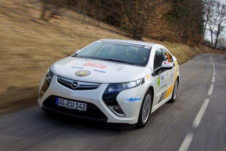 Der Opel Ampera gewinnt bei seiner ersten Teilnahme die 13. Rallye Monte Carlo für alternative Antriebe. Insgesamt konnten sich im Wettbewerb vier Ampera unter den Top10 platzieren (Foto: Adam Opel AG)