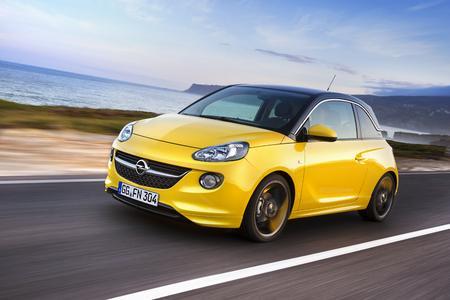Steil nach oben: Der Opel ADAM gewann zum zweiten Mal hintereinander die auto motor und sport-Leserwahl Die besten Autos in der Kategorie Mini Cars; der Blogger Auto Award 2015 folgte auf dem Fuße