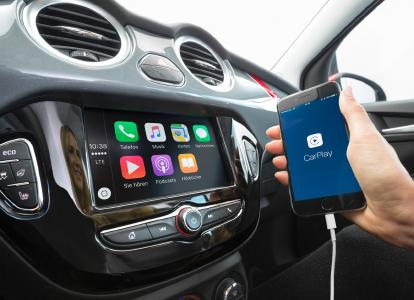 Top-vernetzt: Das moderne IntelliLink-Infotainment-System im Opel ADAM ist Apple CarPlay- und Android Auto-kompatibel