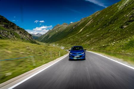 Größte Reichweite aller Teilnehmerfahrzeuge der diesjährigen Silvretta E-Auto Rallye: Opel Ampera-e
