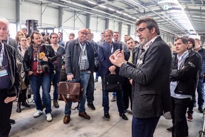 Whirlcare-Direktor Otmar Knoll erläuterte die Whirlpool-Produktion