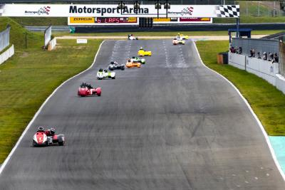 Auch die Internationale Sidecar Trophy beging ihr Saisonfinale in Oschersleben