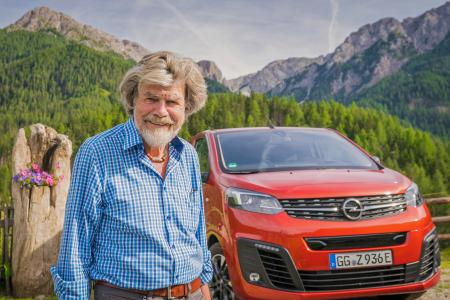 Alpine Summit: Reinhold Messner and the Electric Vans from Opel / Image: Opel Automobile GmbH