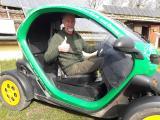 Werner Kiwitt im neuen Renault Twizy