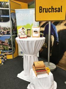 Touristinformation macht auf Stuttgarter Tourismusmesse Werbung für Bruchsal