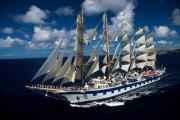 Kreuzfahrten mit der Antriebskraft des Windes: Die drei Großsegler der Reederei Star Clippers kreuzen mit großem Erfolg gegen den Trend des Massentourismus auf See, setzen auf 180 Routen im Mittelmeer, in Asien und der Karibik die Segel. Dazu kommen spektakuläre Atlantiküberquerungen der »Royal Clipper«, Fahrten durch den Panama-Kanal oder der Besuch des Formel 1-Finales in Monaco