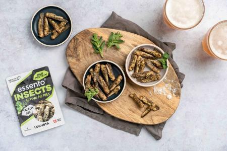 Essento Insect Snacks - Heuschrecken mit Alpenkräuter / (c) Lauren Short