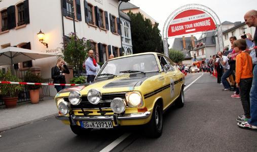 """Premiere: Zum Jubiläum des Opel Test Centers macht die Oldtimer-Rallye """"Klassik Tour Kronberg"""" erstmals mit Wertungsprüfungen am 10. September vor Ort Station"""