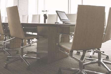 Mobbing am Arbeitsplatz ist eine große Belastung. Rechtlich dagegen vorzugehen funktioniert nur bei minutiöser Dokumentation. Bild: ots/KLUGO GmbH