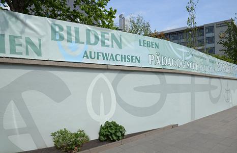 Zusammenführung von Corporate Design und atmosphärischer Farbwirkung, Foto: Jörn Heilmann freie Gestaltung
