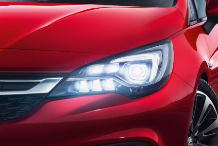 Sterling display: The innovative IntelliLux LED® matrix headlights are popular with the Opel Astra customers