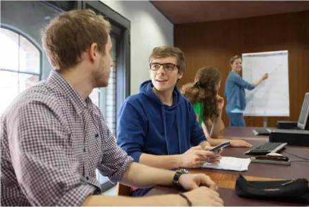Das Vorsemester hilft, kritische Hürden beim Studieneinstieg abzubauen