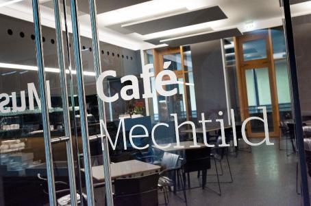 Café Mechtild / Foto: Museum Wiesbaden / Bernd Fickert