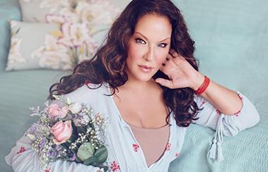 Premiere bei CHANNEL21: Allegra Curtis präsentiert Christine Kaufmann Kosmetik