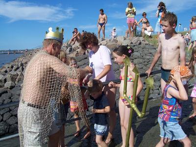 Anbaden in Friedrichskoog: Neptun öffnet das Tor zum Weltnaturerbe Wattenmeer/FOTO: Tourismus-Service Friedrichskoog