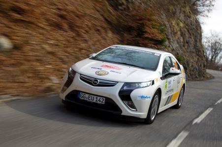 Zum zweiten Mal nimmt Opel mit dem elektrischen Ampera an der internationalen Rallye Monte-Carlo teil