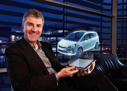 """In Genf präsentiert Opel das Zafira Tourer Concept """"Wir haben die Idee einer Lounge auf ein Fahrzeug übertragen"""", sagt Opel-Designchef Mark Adams. """"Eine Lounge ist ein Ort, an den man sich zur Erholung zurückzieht"""