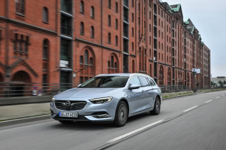 Der steckt und spart was weg: Der Opel Insignia Sports Tourer ist mit bis zu 1.665 Liter Ladevolumen nicht nur ungemein praktisch – er ist mit vorbildlich niedrigen TCO-Werten pro Kilometer auch ungemein wirtschaftlich