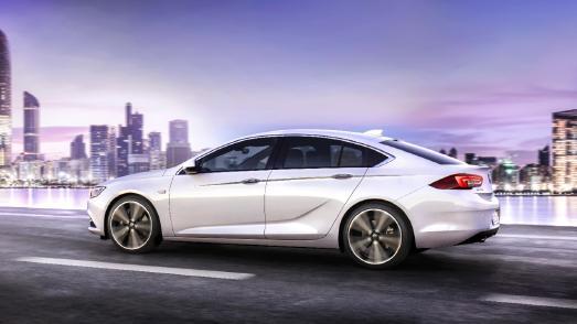 Verkaufsstart für den neuen Opel Insignia / Die zweite Insignia-Generation: Dank der neuen Fahrzeugarchitektur wurde das Gewicht beim Grand Sport um bis zu 175 Kilogramm im Vergleich zum Vorgänger reduziert