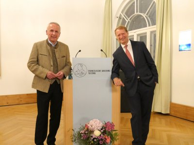 Udo Hahn, li, Vositzender Vorstand des Medien-Club München e.V., und Ulrich Wilhelm, re, gestern Abend in der Evangelischen Akademie Tutzing.