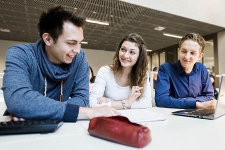 Das Online-Bewerbungsportal der Hochschule Osnabrück ist ab sofort geöffnet. 26 Bachelor- und Master-Studiengänge nehmen zum Sommersemester 2018 Studierende auf