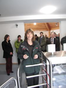 ?Umweltministerin Silke Lautenschläger eröffnet den Eingangsbereich / Photos: Nationalparkamt Kellerwald-Edersee