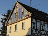 Traditionelle und moderne Technik vereinen sich am Gebäude der Alten Schule im schwäbischen Murrhärle, Rechte: Dipl.-Ing. Rolf Canters