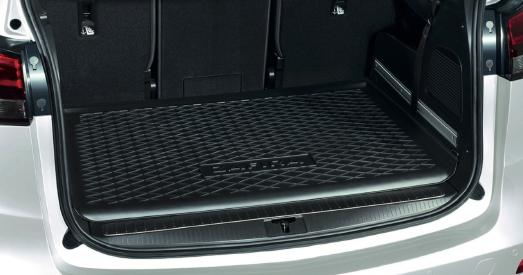 Dog smart: Water-tight, form-fitting trunk-liner with anti-slip surface and Zafira logo
