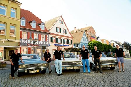 Die Opel Classic KAD-Teams der Paul Pietsch Classic Rallye 2014: Von links, Jockel Winkelhock, Katrin Obry, Hanns Werner Wirth, Dr. Karl-Thomas Neumann, Harald Hamprecht, Tim Ramms
