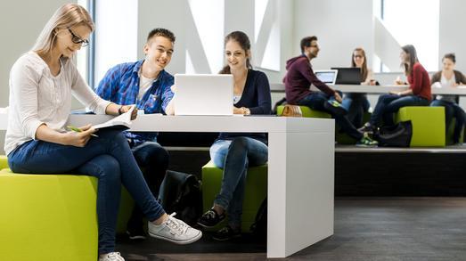 Spitzengruppe für die Pflege- und Informatik-Studiengänge der Hochschule Osnabrück: Studierende loben beim CHE-Hochschulranking unter anderem die moderne Raumausstattung sowie den Praxisbezug