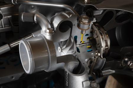 Für ein um 20 Prozent schnelleres Ansprechverhalten: Der Turbolader mit variabler Turbinengeometrie (VTG) wird erstmals durch einen elektronisch angesteuerten Aktuator reguliert © GM Company