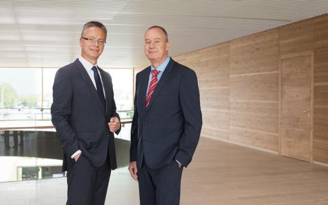Dr. Kai Schiefelbein(links) und Dr. Nicholas Matten