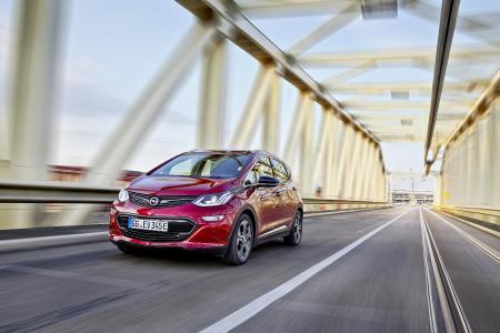 Rekordfahrt: Der Opel Ampera-e hat mit nur einer Batterieladung 754,9 Landstraßen-Kilometer geschafft