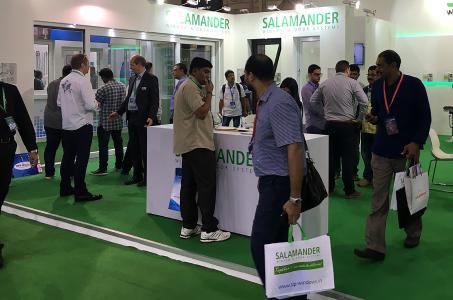 Salamander freut sich über einen stark besuchten Messestand / Bildquelle: Salamander Industrie-Produkte GmbH