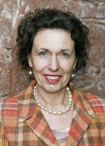 Angelika Gräfin Wolffskeel von Reichenberg, Schüßler-Salze-Expertin und Heilpraktikerin