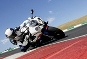 Stunning S 1000 RR leads the way as BMW Motorrad win three prestigious MCN Awards