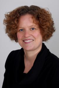 Foto (Susann Liebe): Susann Liebe, seit 2017 Willkommenslotsin beim Verband Garten-, Landschafts- und Sportplatzbau Bayern, unterstützt GaLaBau-Betriebe bei der Integration von Geflüchteten.