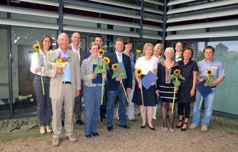 Absolventen des PROFHOS-Programmes an der Hochschule Osnabrück mit Vizepräsidentin Prof. Dr. Marie-Luise Rehn (2. v. re.)