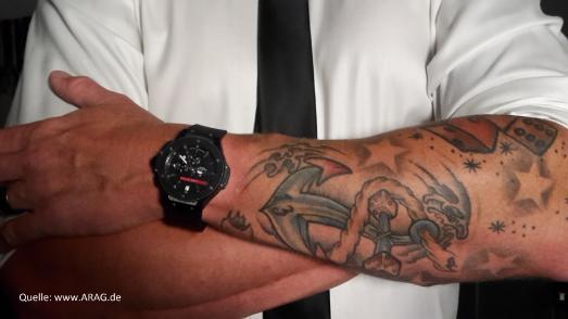 Tattoos entfernen: Adieu, Arschgeweih!
