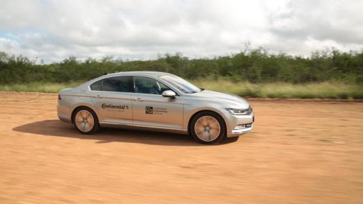 Mit dem automatisierten Fahrzeug werden Testergebnisse verbessert und die Teststrecke geschont