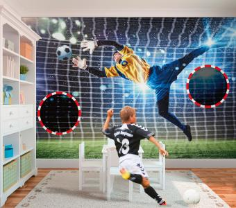 Interaktiv: Mit einer Torwand als Trendtapete kann man in den eigenen vier Wänden das Kicken üben. (Foto epr/Erfurt JuicyWalls)