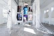 Johannes Büttner, The Factory, 2020, mixed media, Video mit Sound, Installation view: A Tale of a Tub, Rotterdam / Foto: LNDW Studio, Courtesy of the Artist