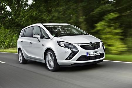 Erfolgreicher Jahresstart: Der Opel Zafira Tourer eröffnete als umweltfreundlichster Van bei Ökotrend den Auszeichnungsreigen 2015