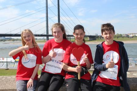 Marathon Läufer mit Medaillen