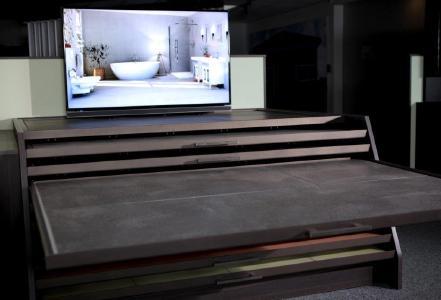Ruckzuck zur digitalisierten Ausstellung: CENTAURI von HauffDigital ist ein digitaler Bodenschrank zum Selbstaufbau. Die ideale Lösung für Handwerker / Bild: HauffDigital