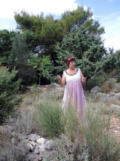 Führung im Kräutergarten durch die Pensionswirtin Sonja.