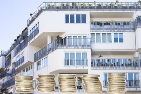 Auch nach dem Kauf kommen noch einige Kosten – wie etwa das monatliche Hausgeld – auf Wohneigentumsbesitzer zu. Foto: Wüstenrot Haus- und Städtebau GmbH