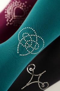 Die neuen Swarovski Motive Brilliance, Romance und Beauty sorgen in Kombination mit den mediven Kompressionsstrümpfen für ganz besondere Effekte. Swarovski ist eine eingetragene Marke der Swarovski AG