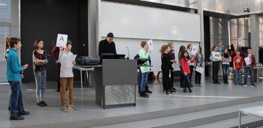 """Begabtenförderung in den MINT-Fächern: """"11. Tag der Naturwissenschaften"""" für Schülerinnen und Schüler der 6. Klassen am 22. Februar 2017 an der Technischen Hochschule Wildau / Quelle: TH Wildau / Bernd Schlütter"""